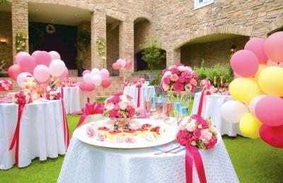 チャペル ザ・シアター サルヴェ/チャペルザシアターサルヴェ:写真5:ガーデンにテーブルを並べてガーデンパーティも☆