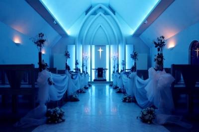 クラブハウス アフロディーテ迎賓館/クラブハウスアフロディーテゲイヒンカン:写真2:サムシングブルーにちなんだ幻想的な空間が包み込む