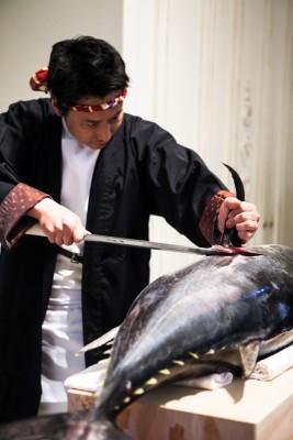 覚王山ル・アンジェ教会/カクオウザンルアンジェキョウカイ:写真6:マグロ入刀演出2