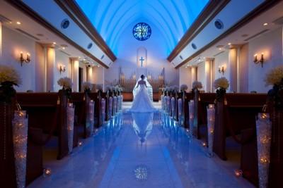 HOTEL MIELPARQUE NAGOYA(ホテルメルパルク名古屋)/ホテルメルパルクナゴヤ:写真1:イタリアのカプリ島にある「青の洞窟」をイメージした演出は、チャペル内を青い光が放たれる神秘的な演出です